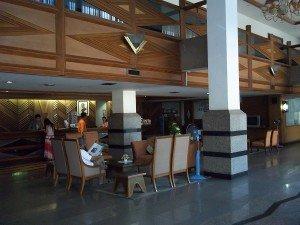 Charoen Hotel lobby