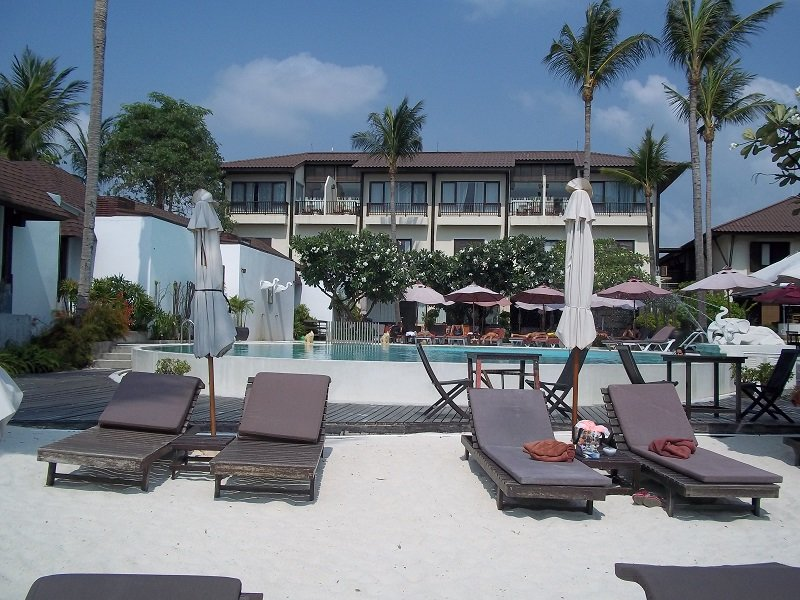 Beach front pool at the Iyara Beach Hotel