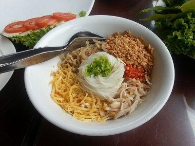 Daeng Namnueng Restaurant vietnamese noodles