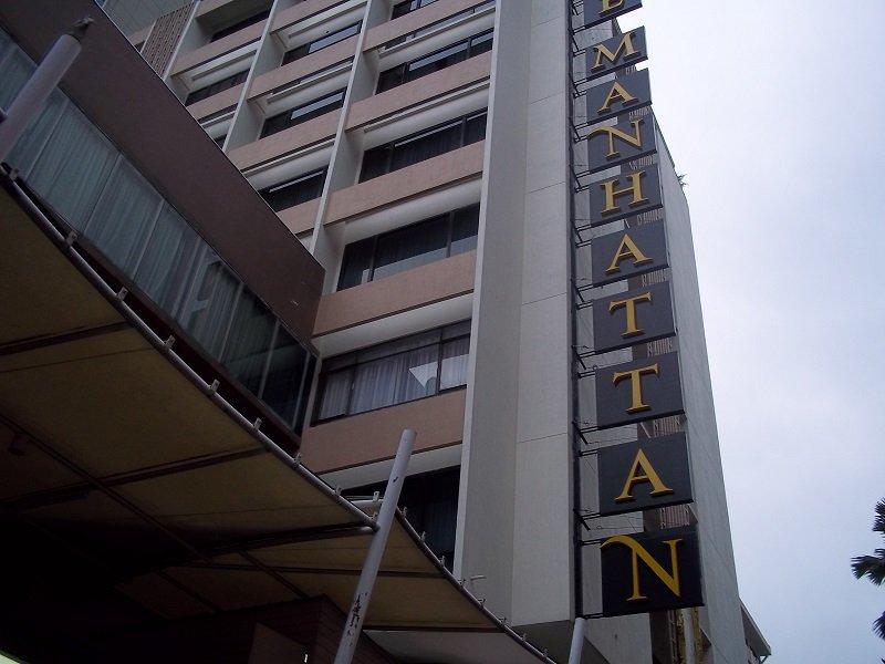 Manhattan Hotel Bangkok Front