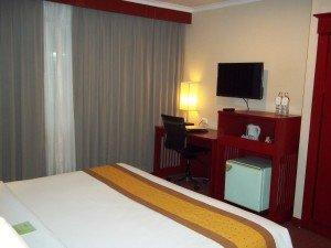 Manhattan Hotel Bangkok TV