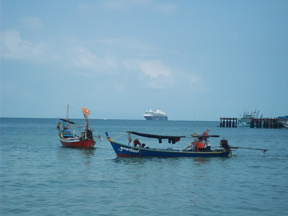 Mein Shiff 1 anchored off Koh Samui