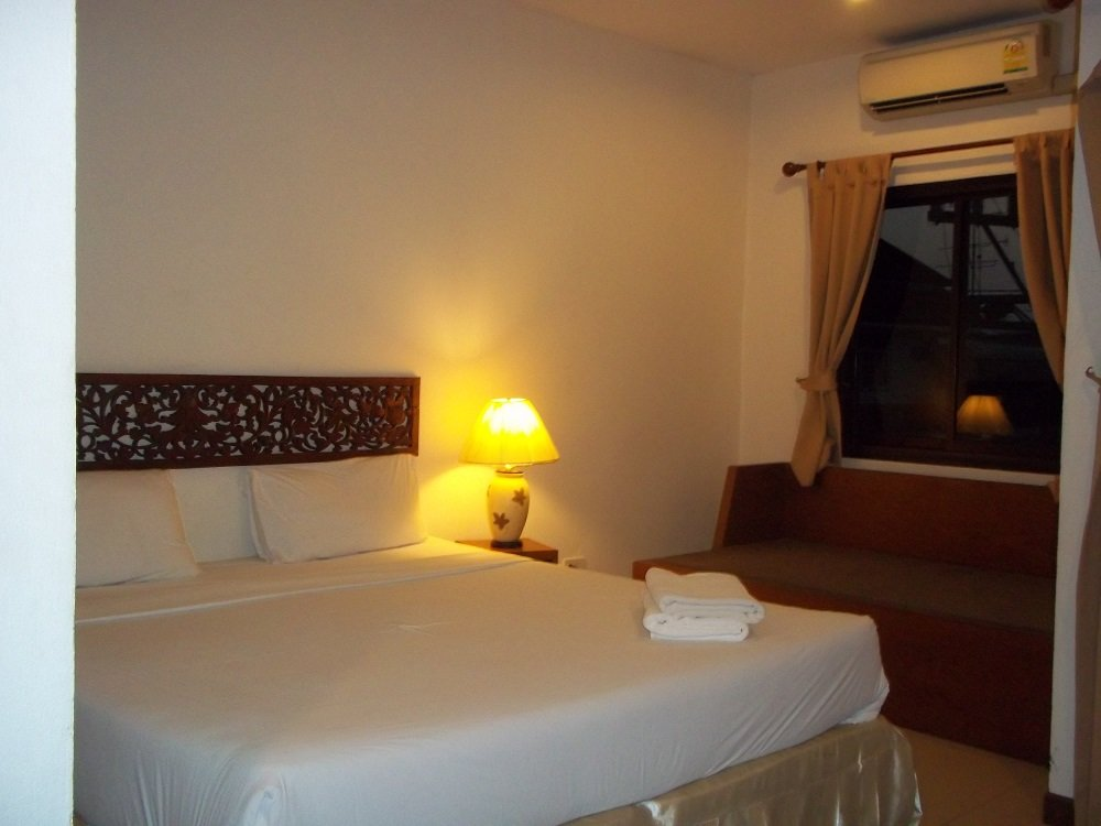 Comfortable rooms at the Samui Residence