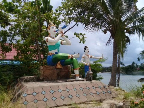 Statues at Wat Phra Yai in Koh Samui