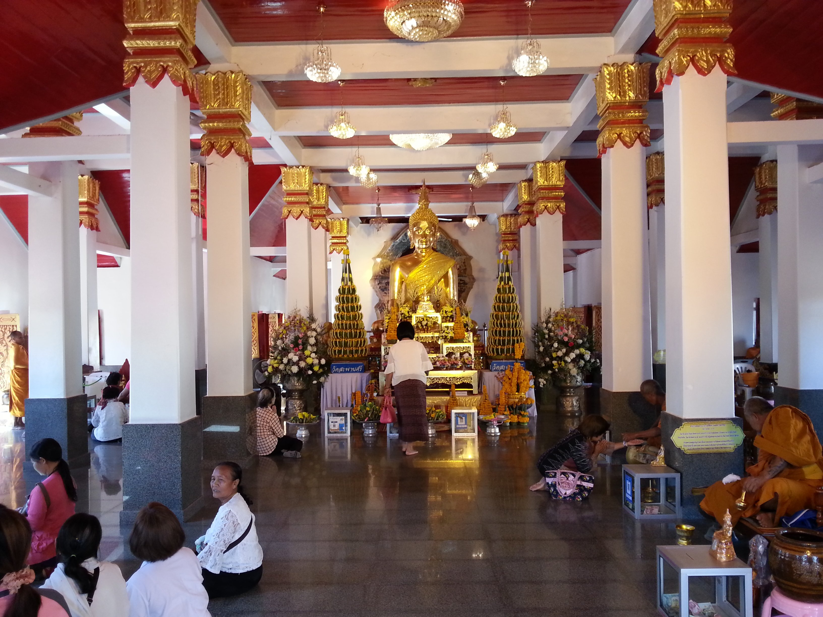 Inside the Congregational Hall at Wat Phra That Choeng Chum