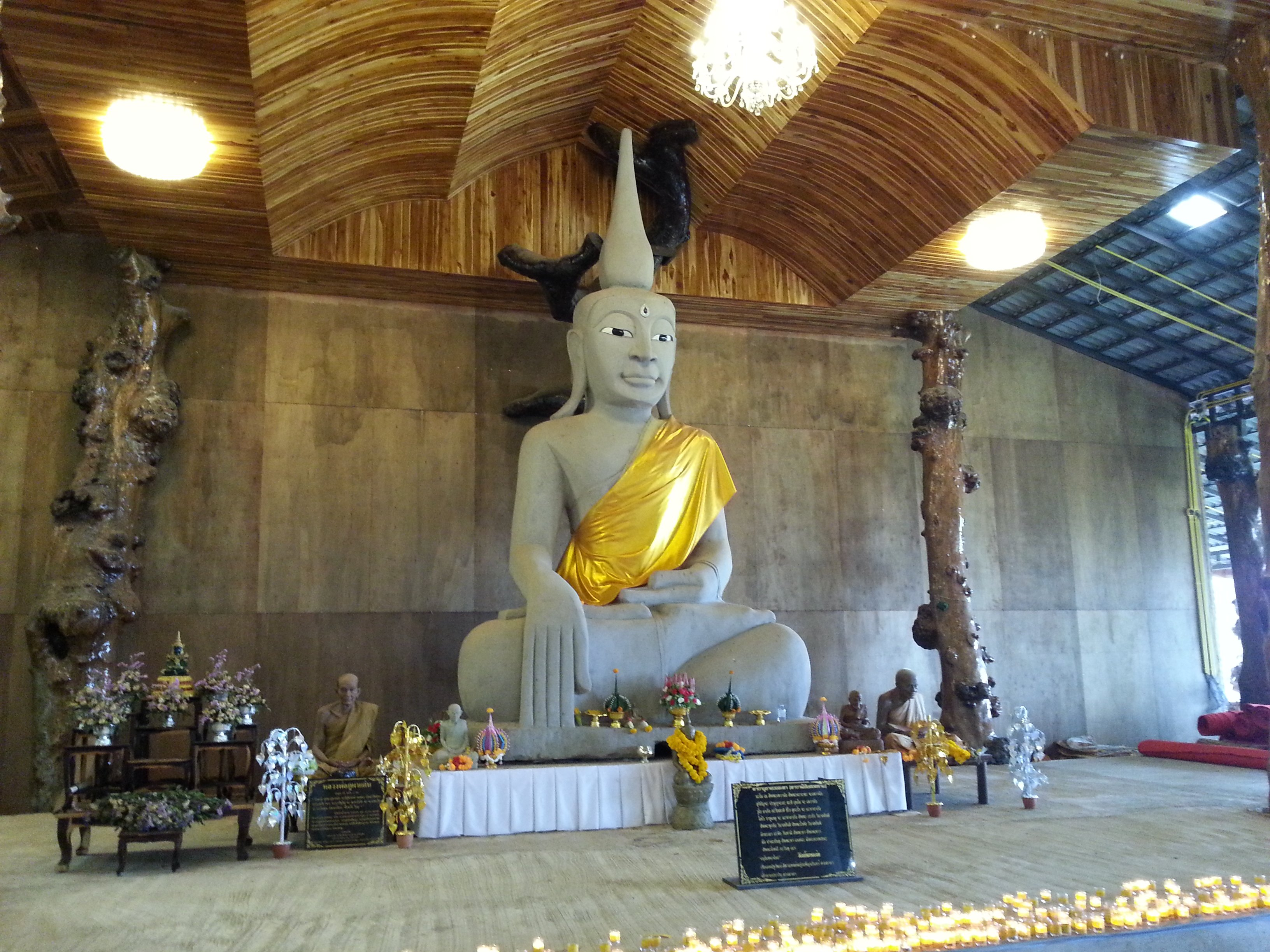 Inside the main temple at Wat Tham Pha Daen
