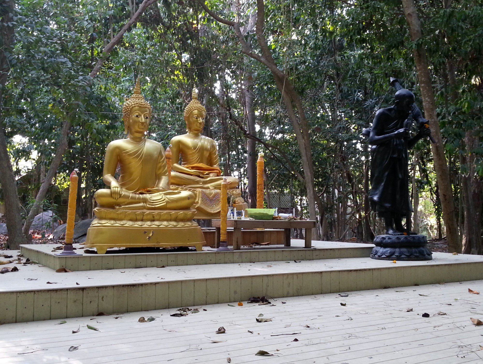 Buddha statues at Wat Hantalay