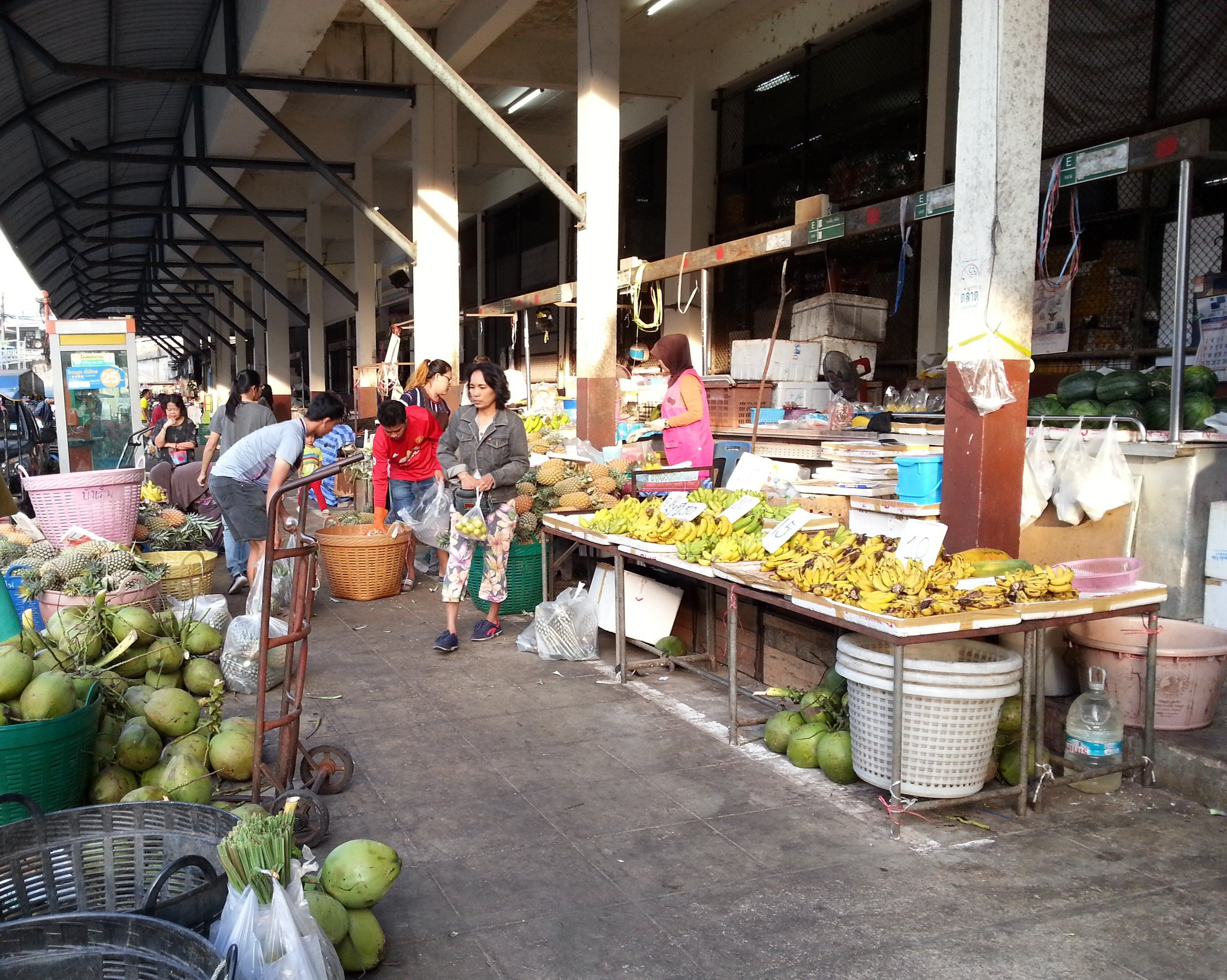 Fruit sellers outside Maharaj Food Market