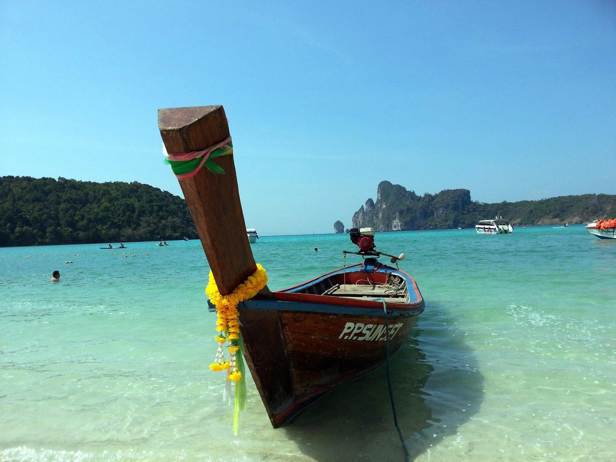 Longtail boat on Loh Dalum Beach