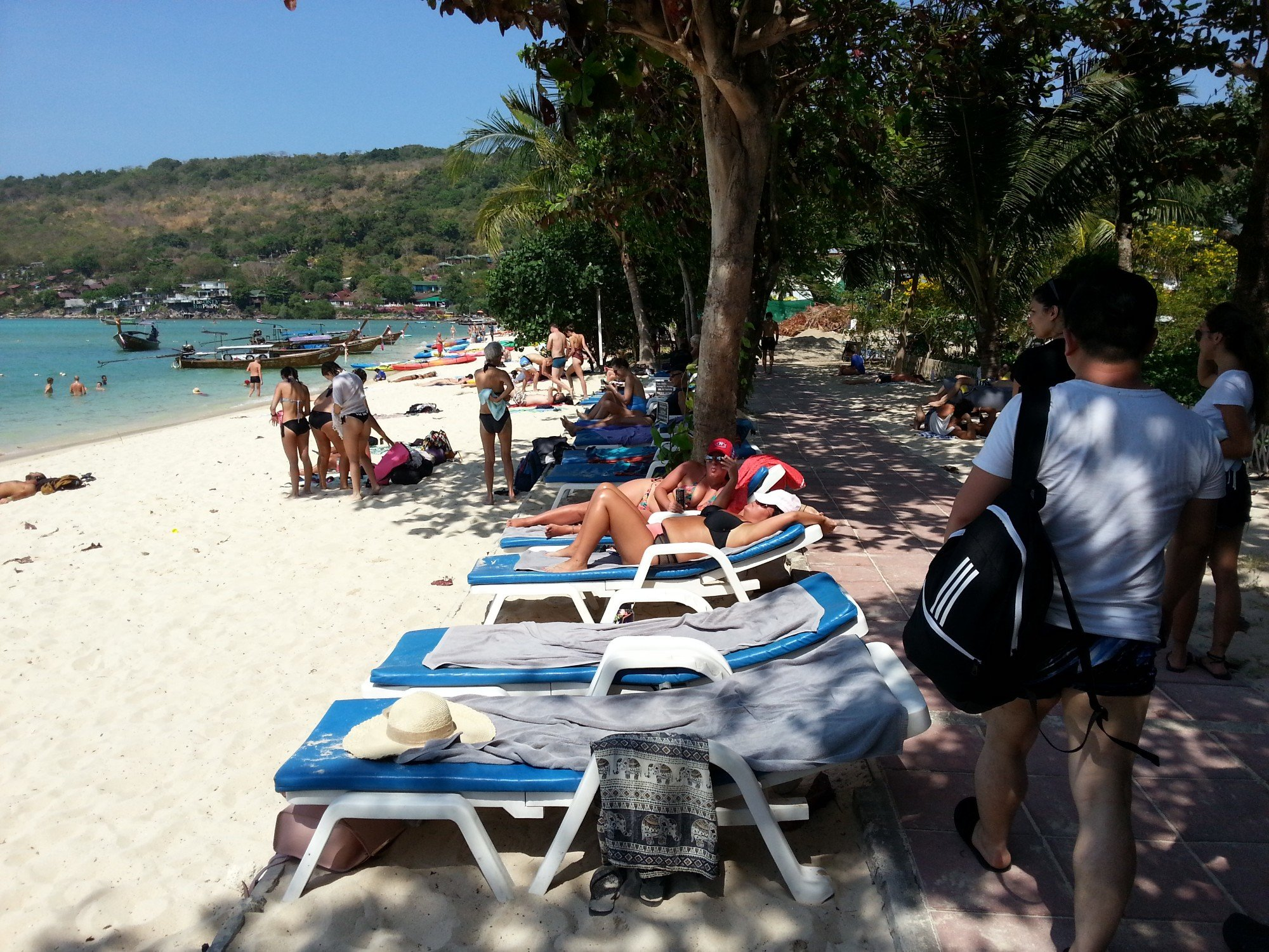 Sun loungers on Loh Dalum Beach