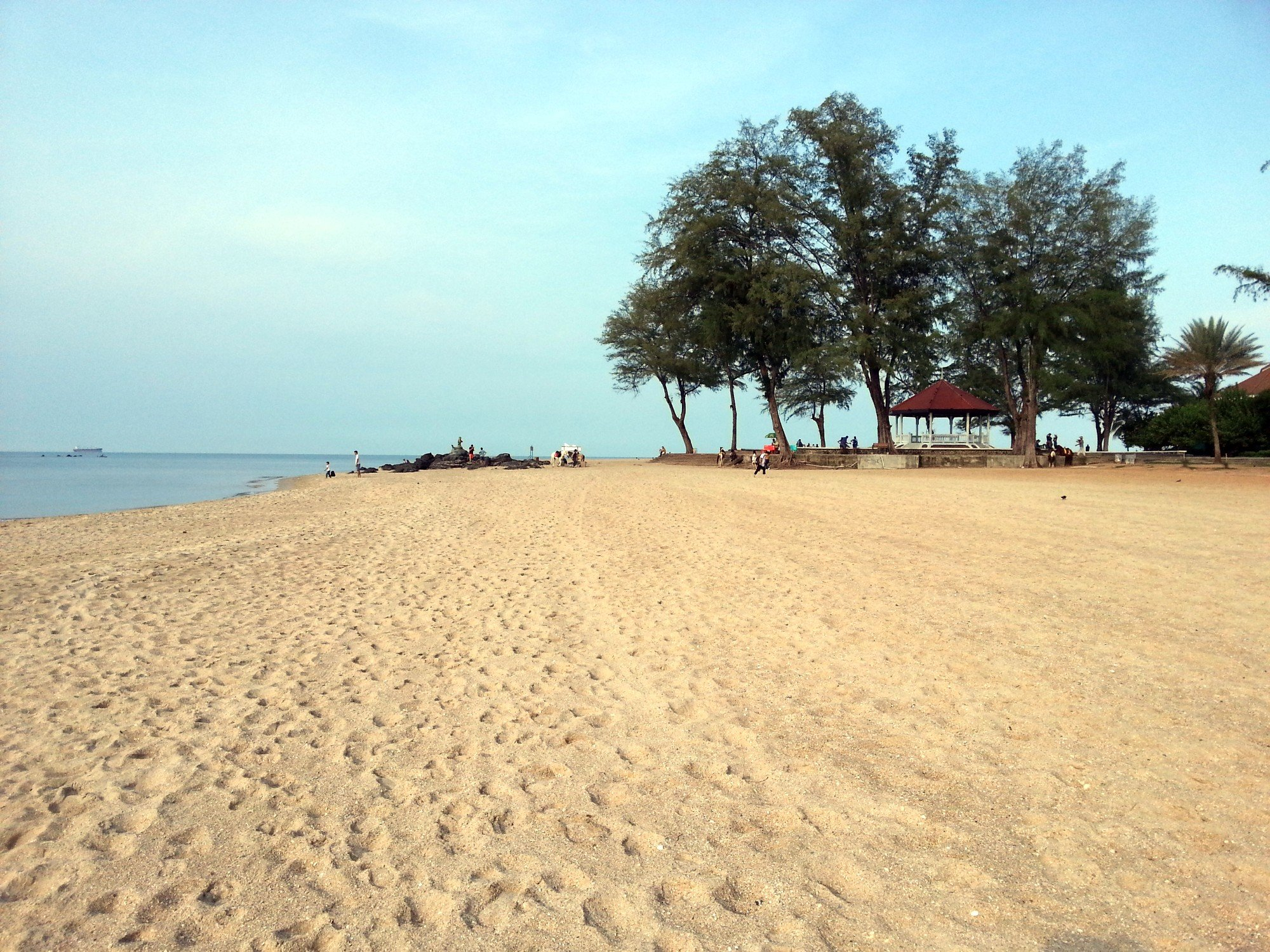 Looking east on Samila Beach