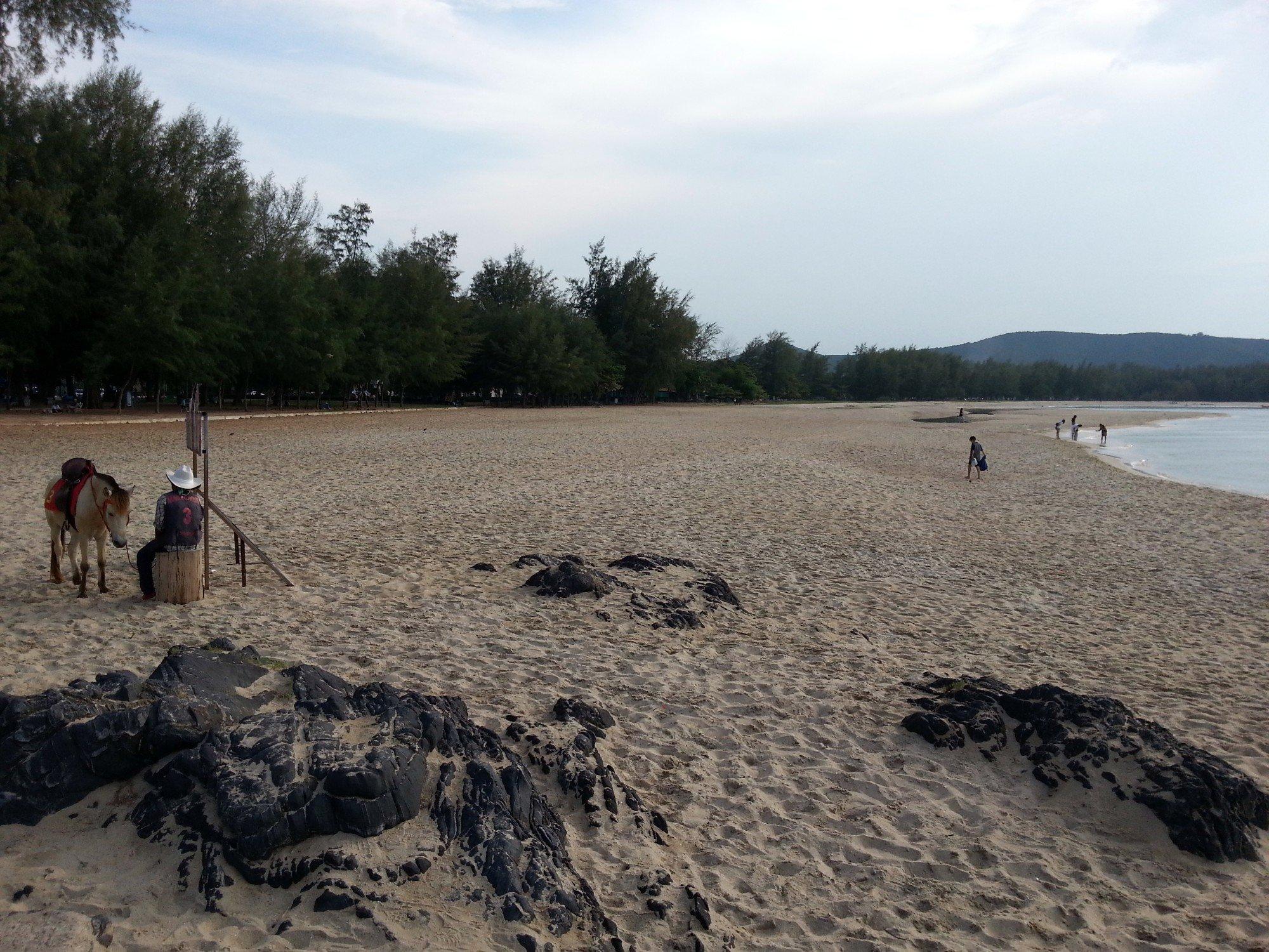 Looking west on Samila Beach