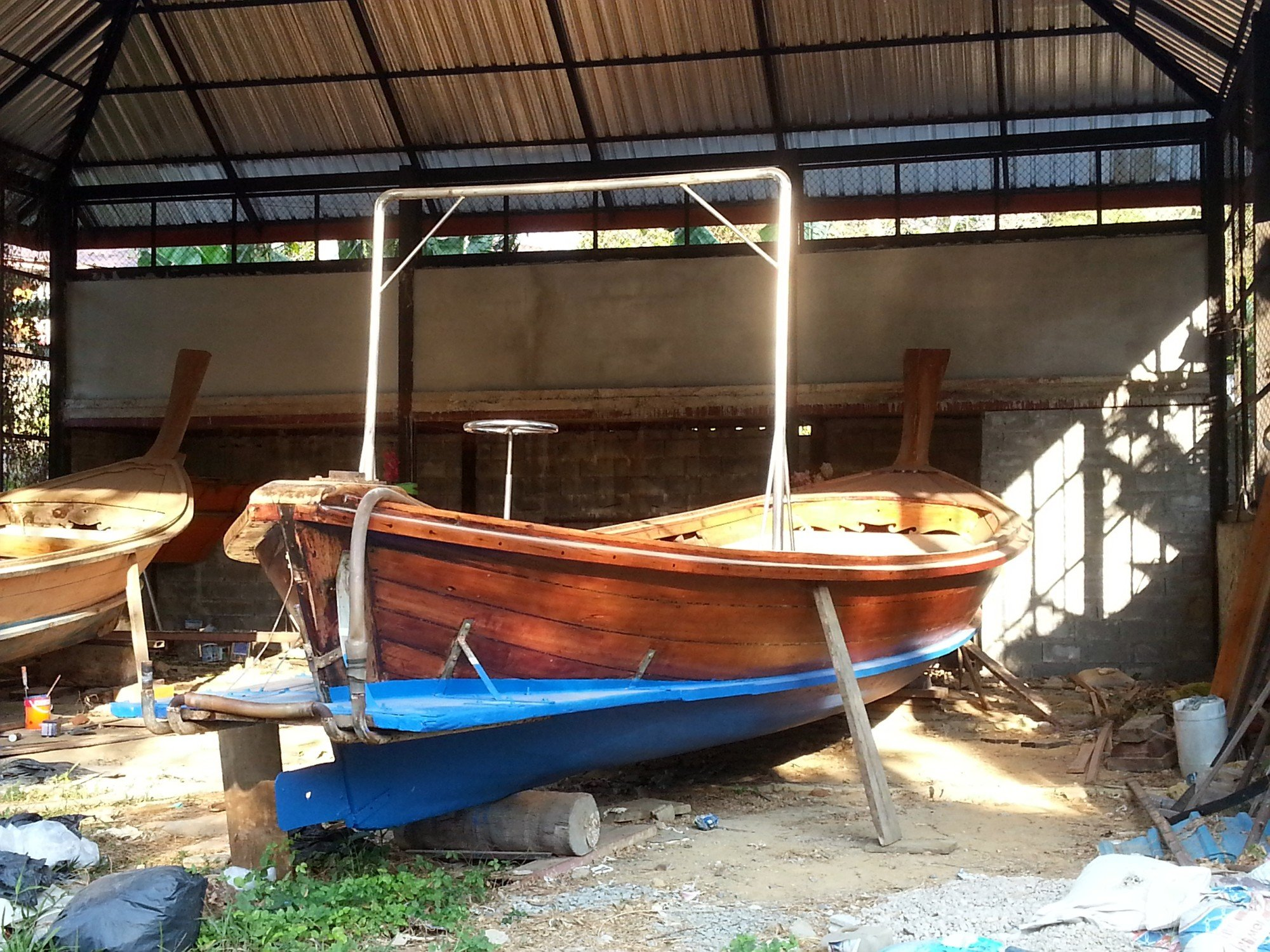 'hu tor reua' is the Thai word for boatyard