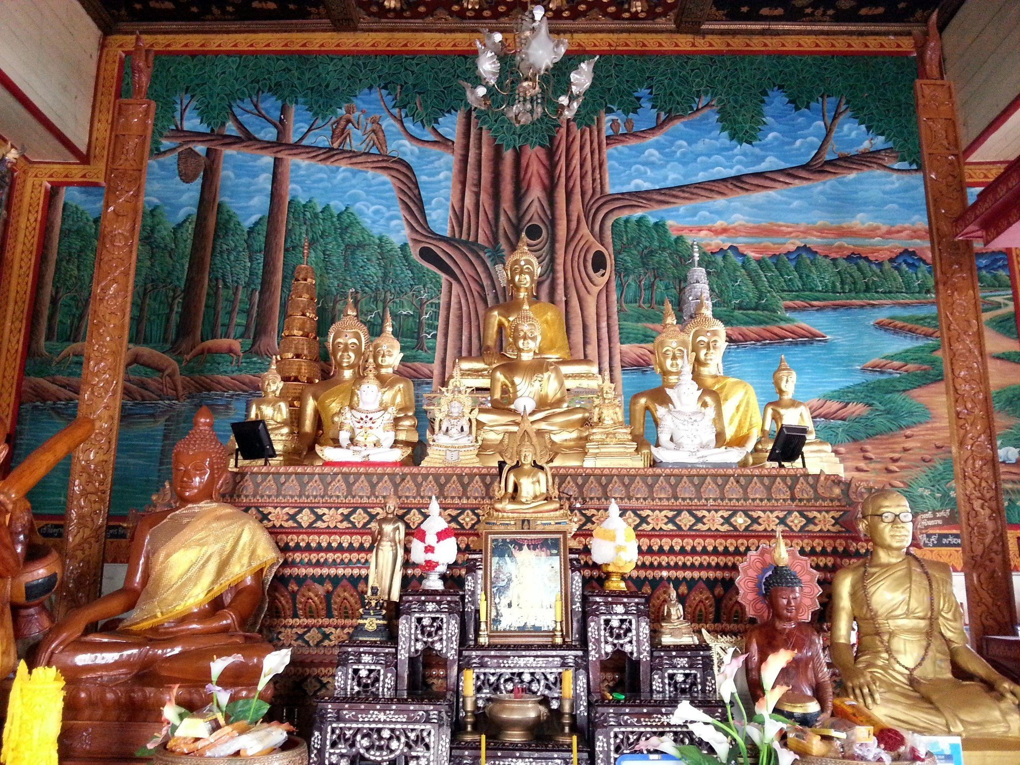 500 year old Buddha statue at Wat Phong Sunan