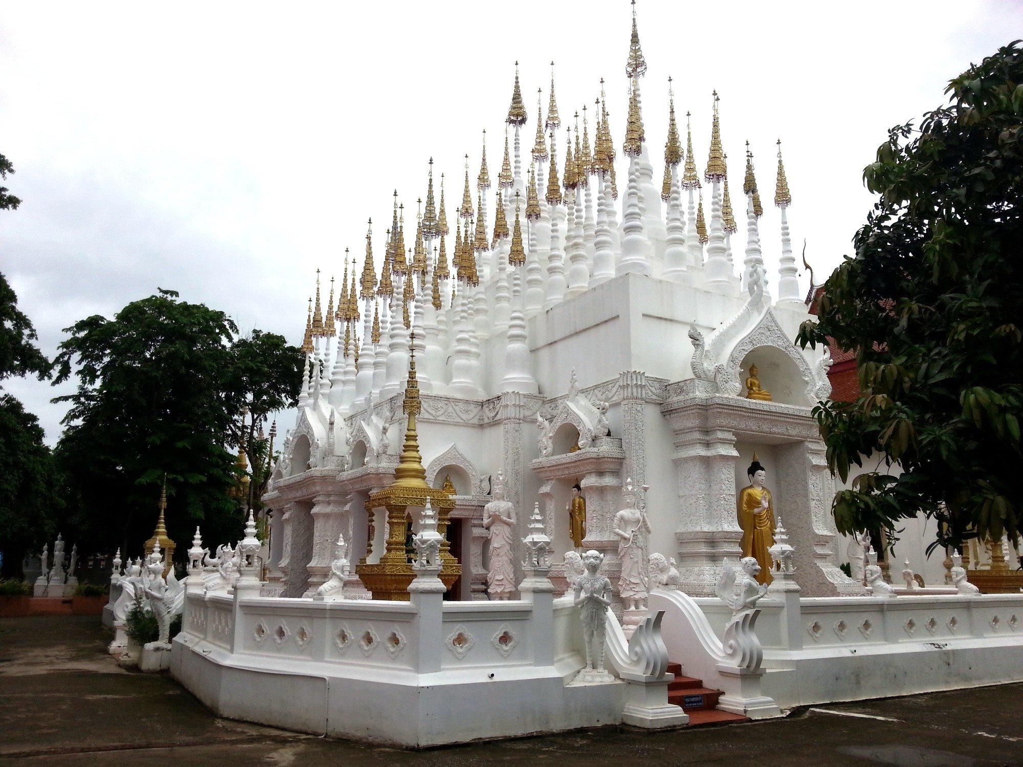 Assembly Hall at Wat Phong Sunan