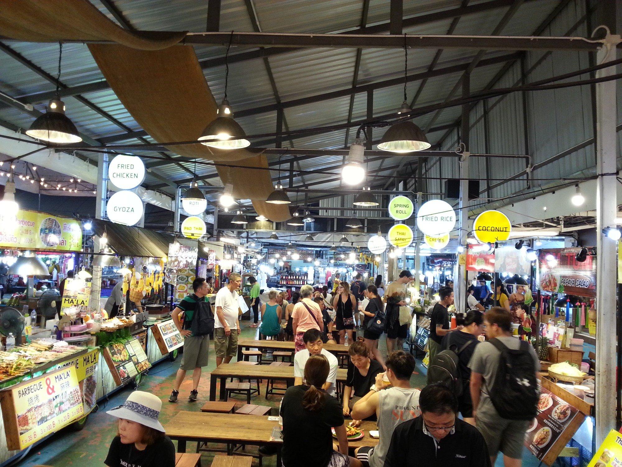 Food court at Anusarn Market