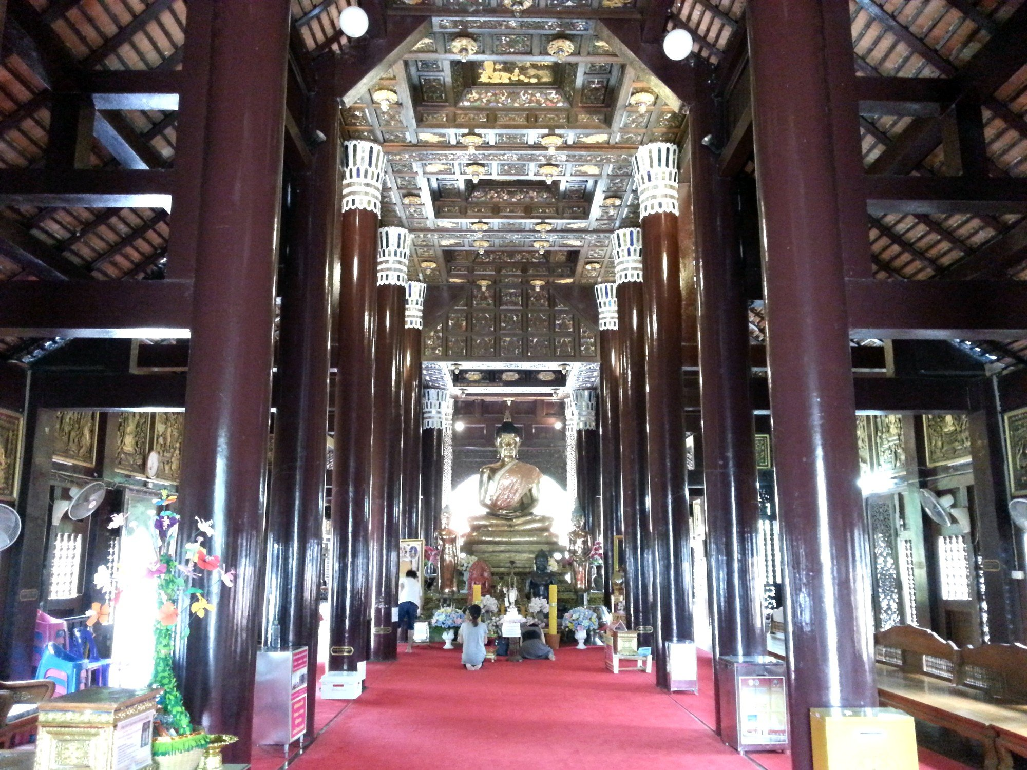 Inside the assembly hall at Wat Lok Moli