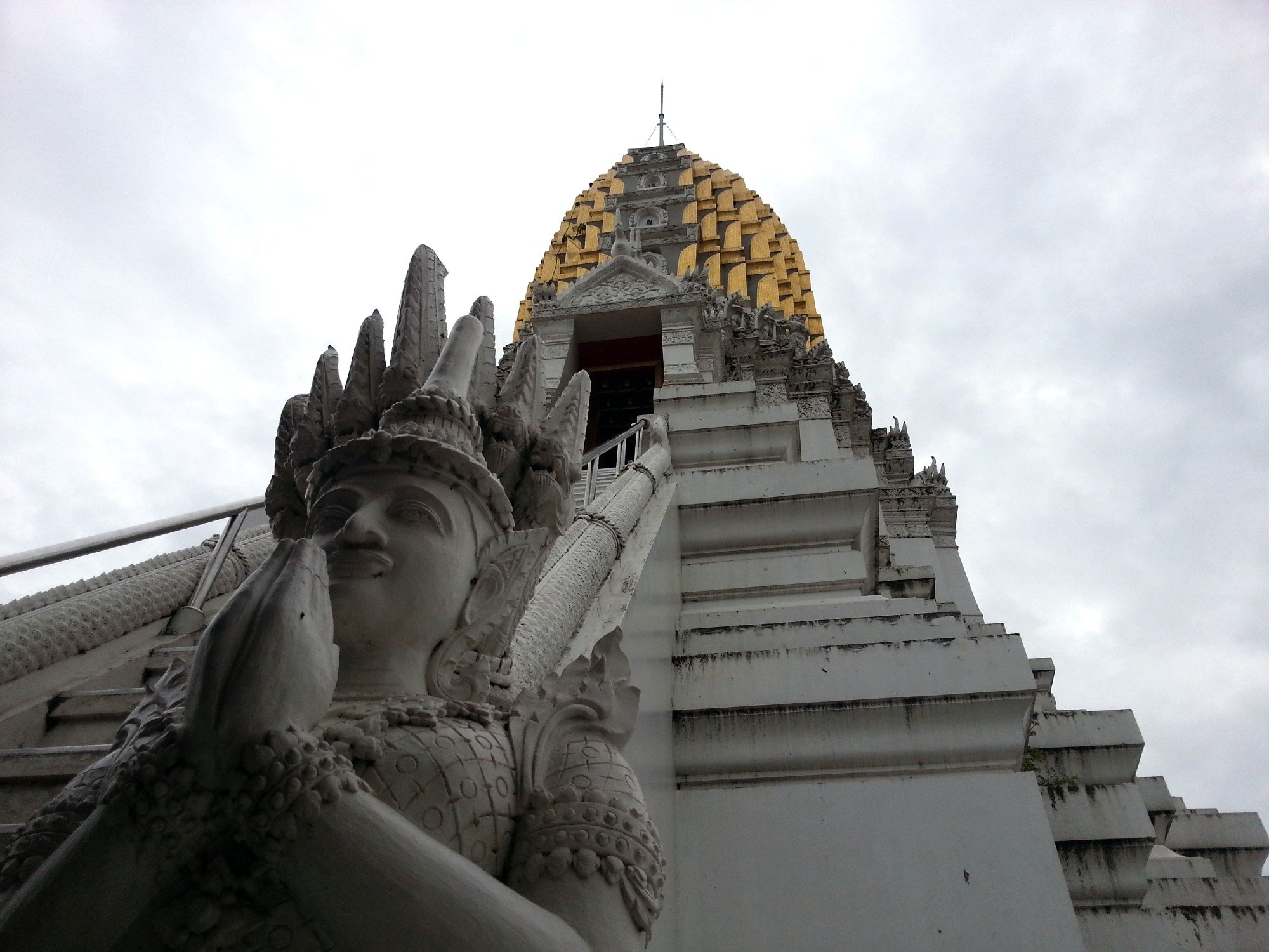 Prang at Wat Phra Si Rattana Mahathat