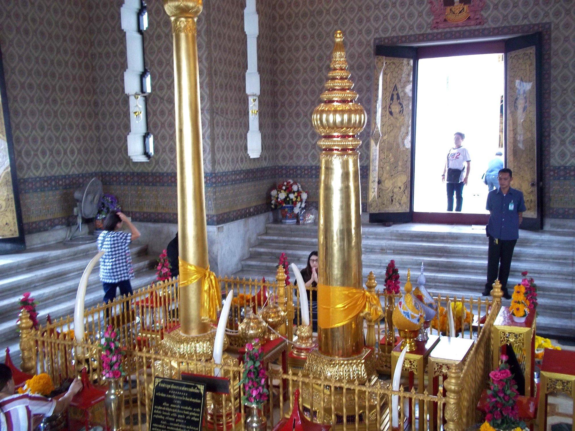 The two pillars at Bangkok City Pillar Shrine