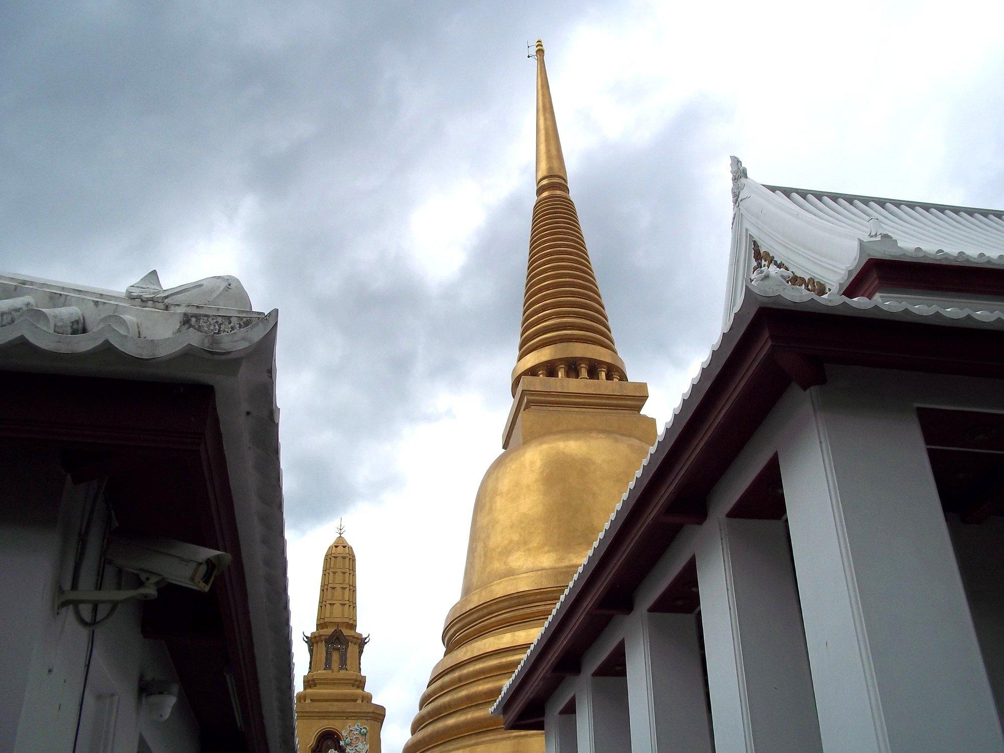 Chedi at Wat Bowonniwet