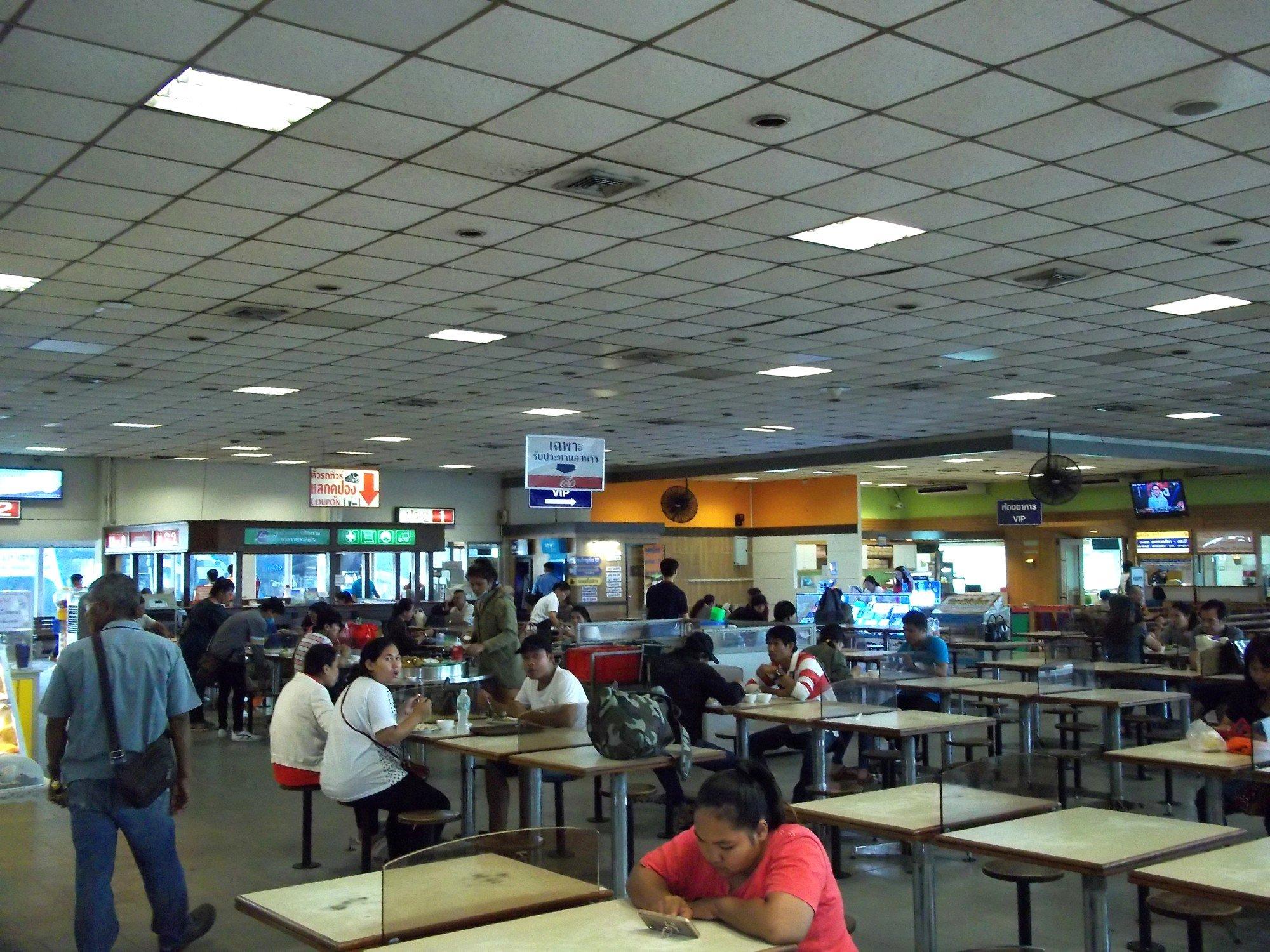 Food court at Nakhon Ratchasima Bus Terminal 2