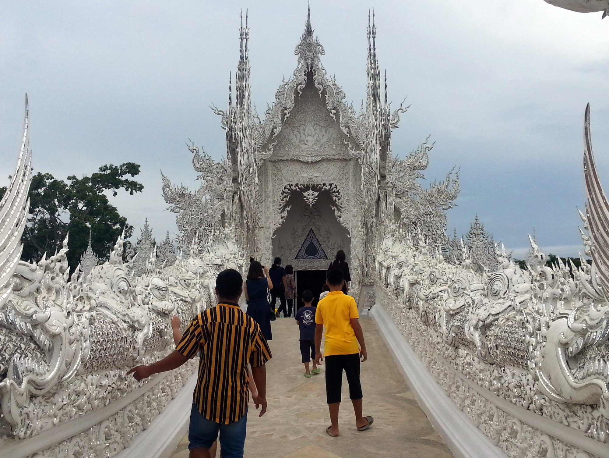 Gate of Heaven at the White Temple