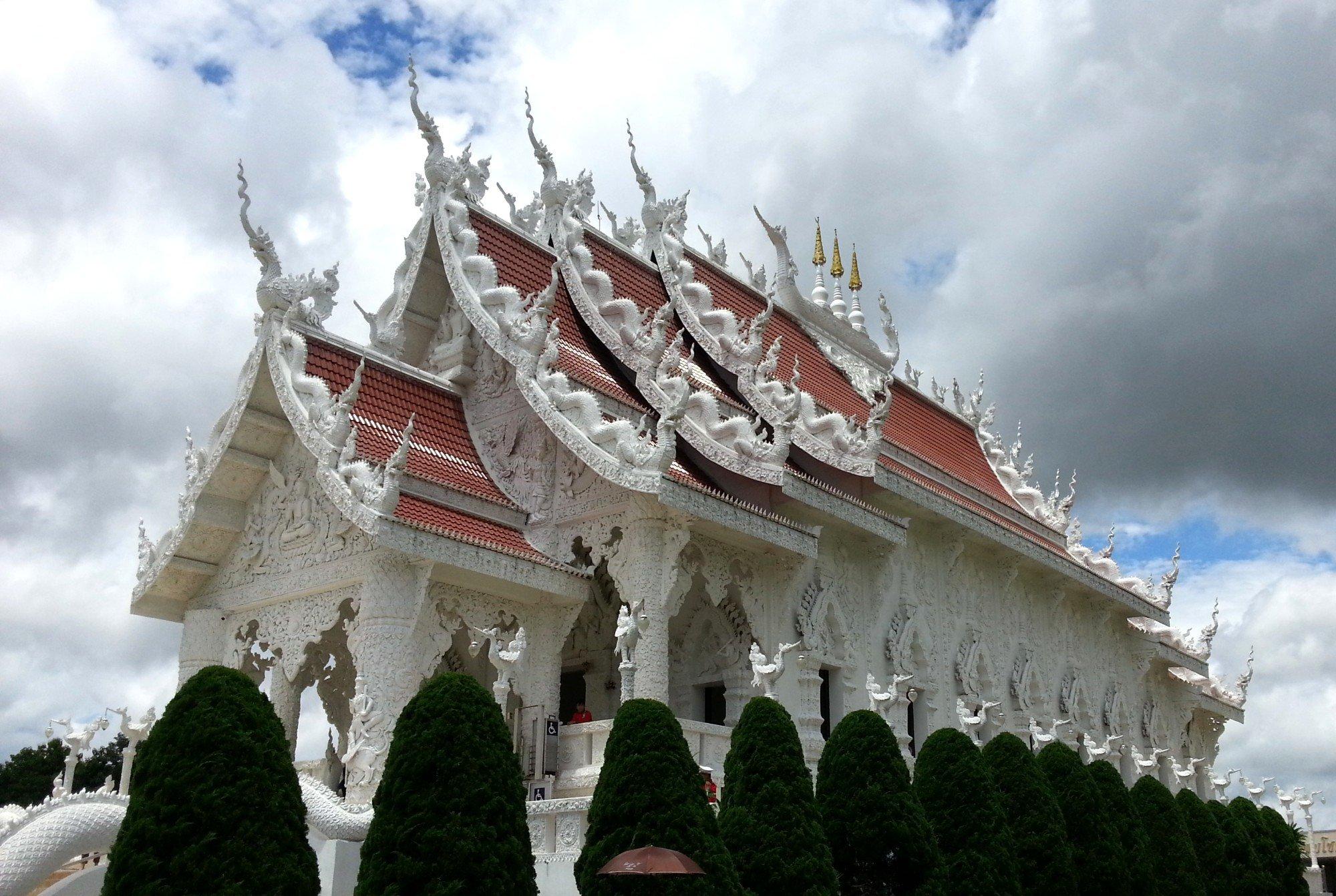 Prayer hall at Wat Huay Pla Kang
