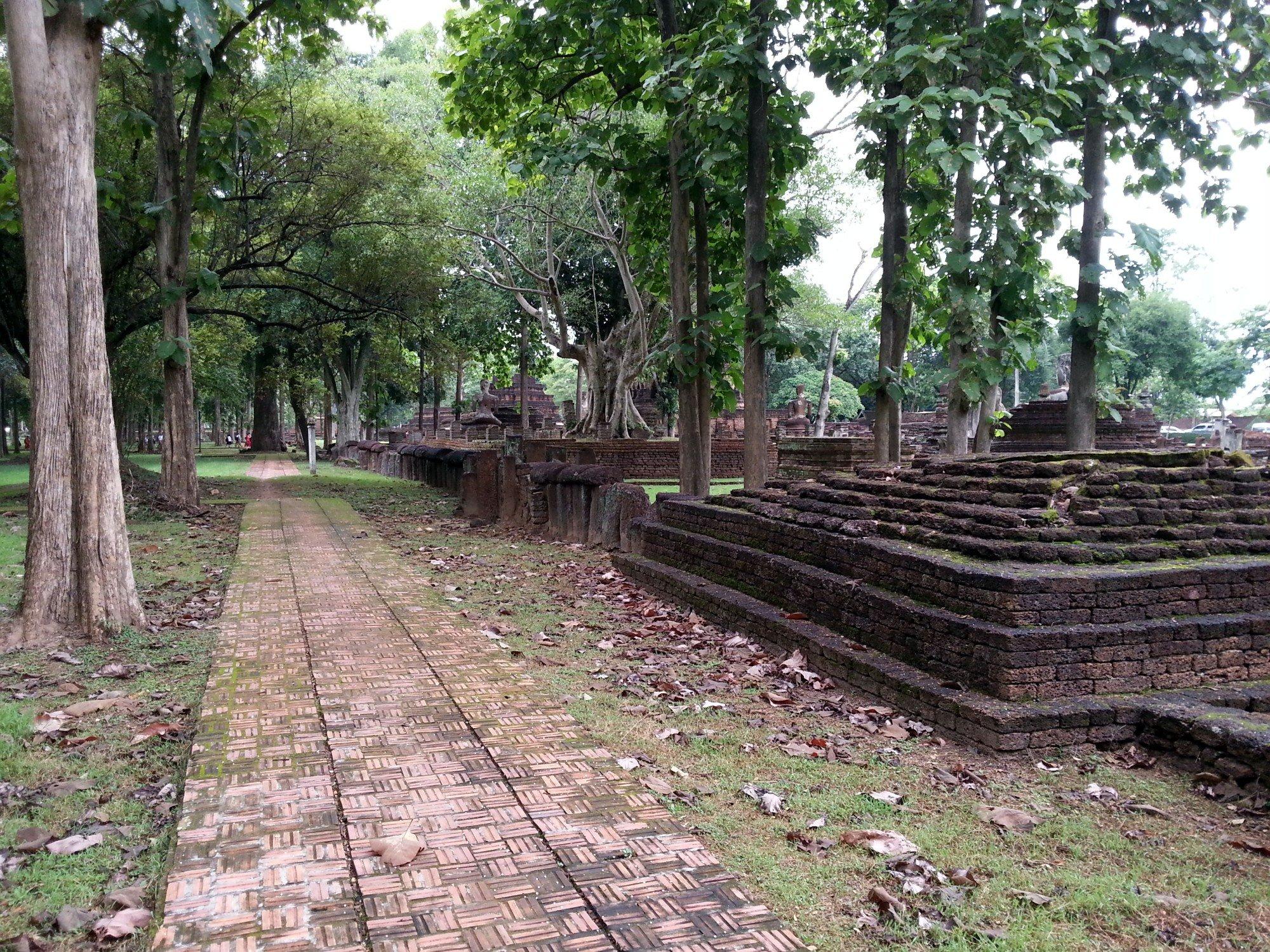 Walkways at Kamphaeng Phet Historical Park