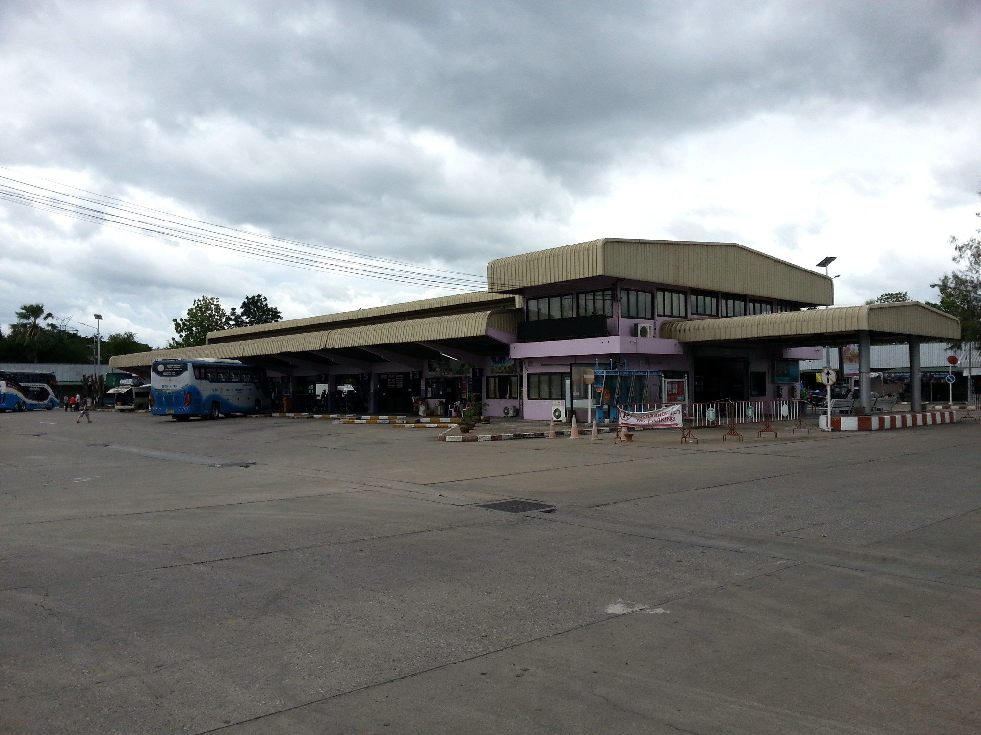 Tak Bus Terminal