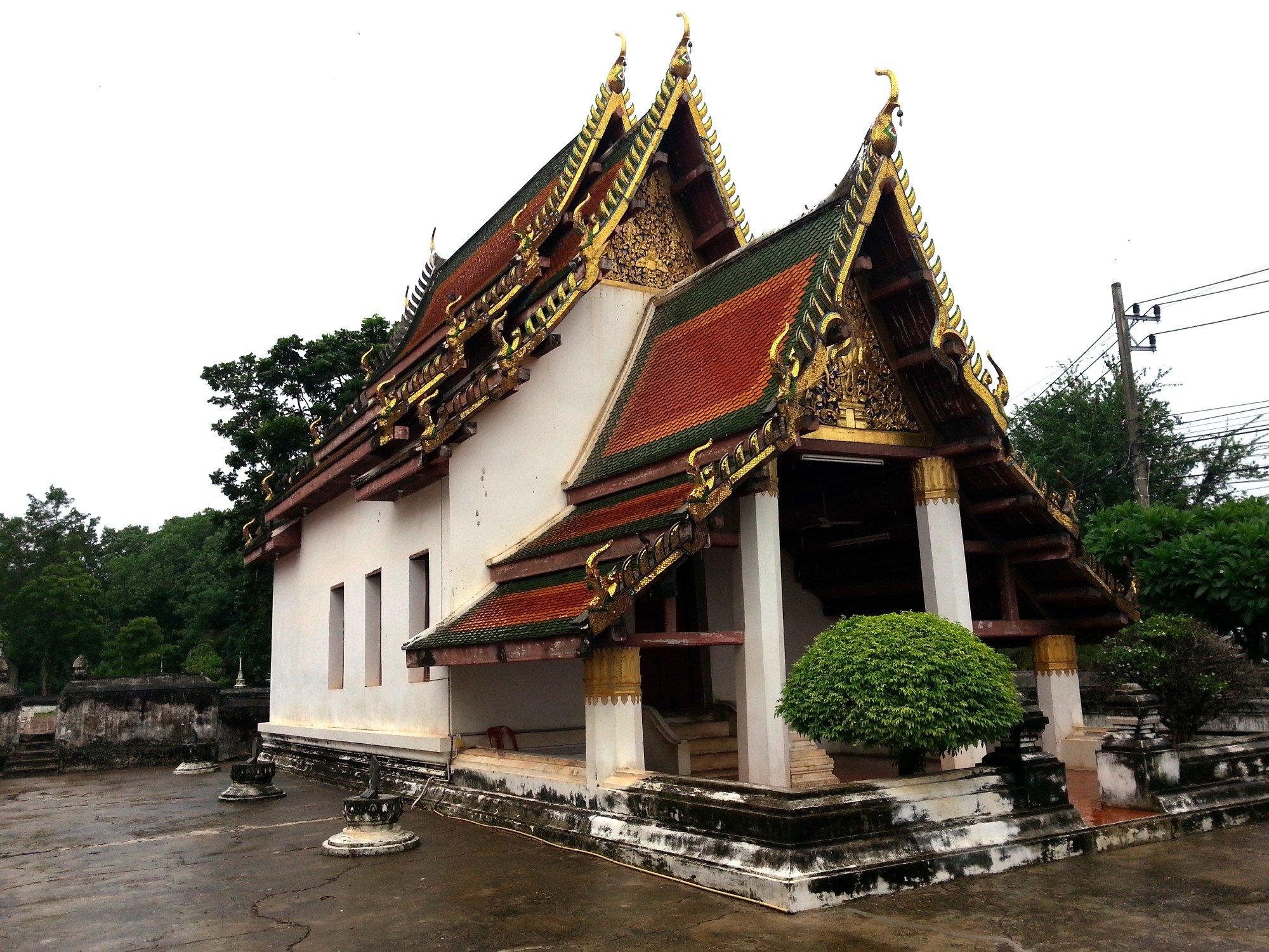 Ordination hall at Wat Phra Brommathat Thung Yang