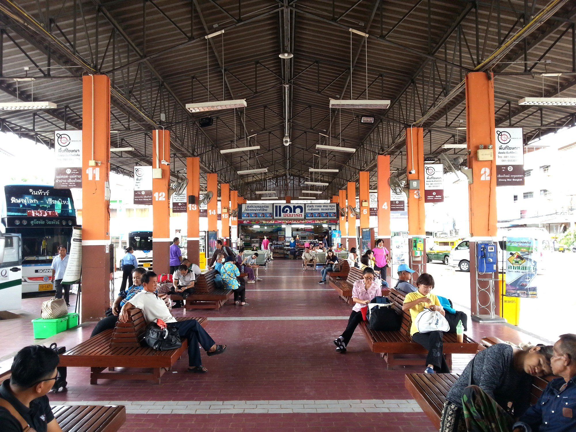 Waiting area at Lampang Bus Station