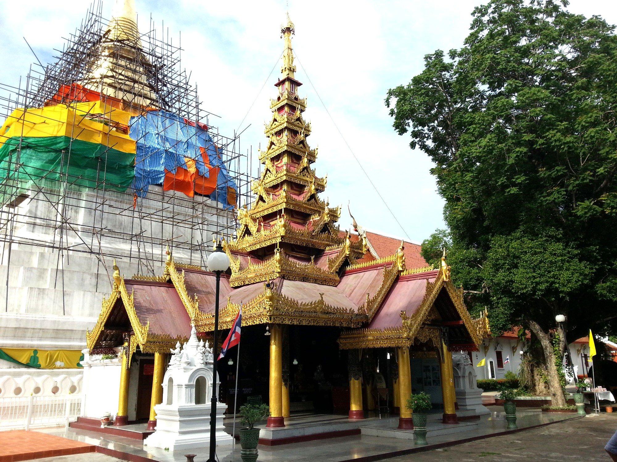 Burmese style mondop at Wat Phra Kaew Don Tao